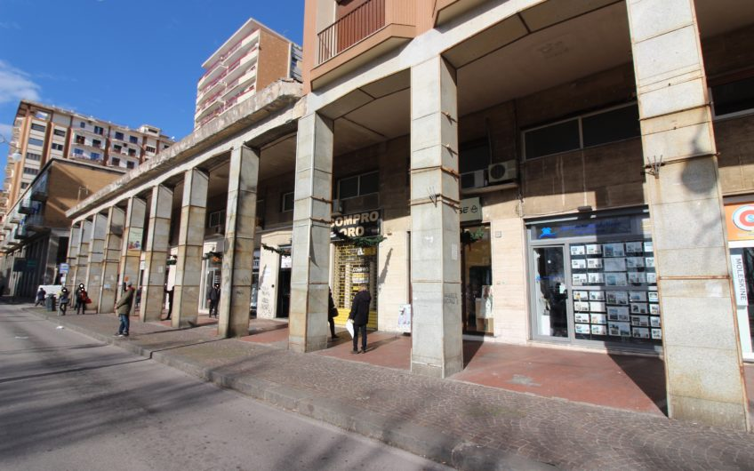 Locale Commerciale C.so Garibaldi SALERNO