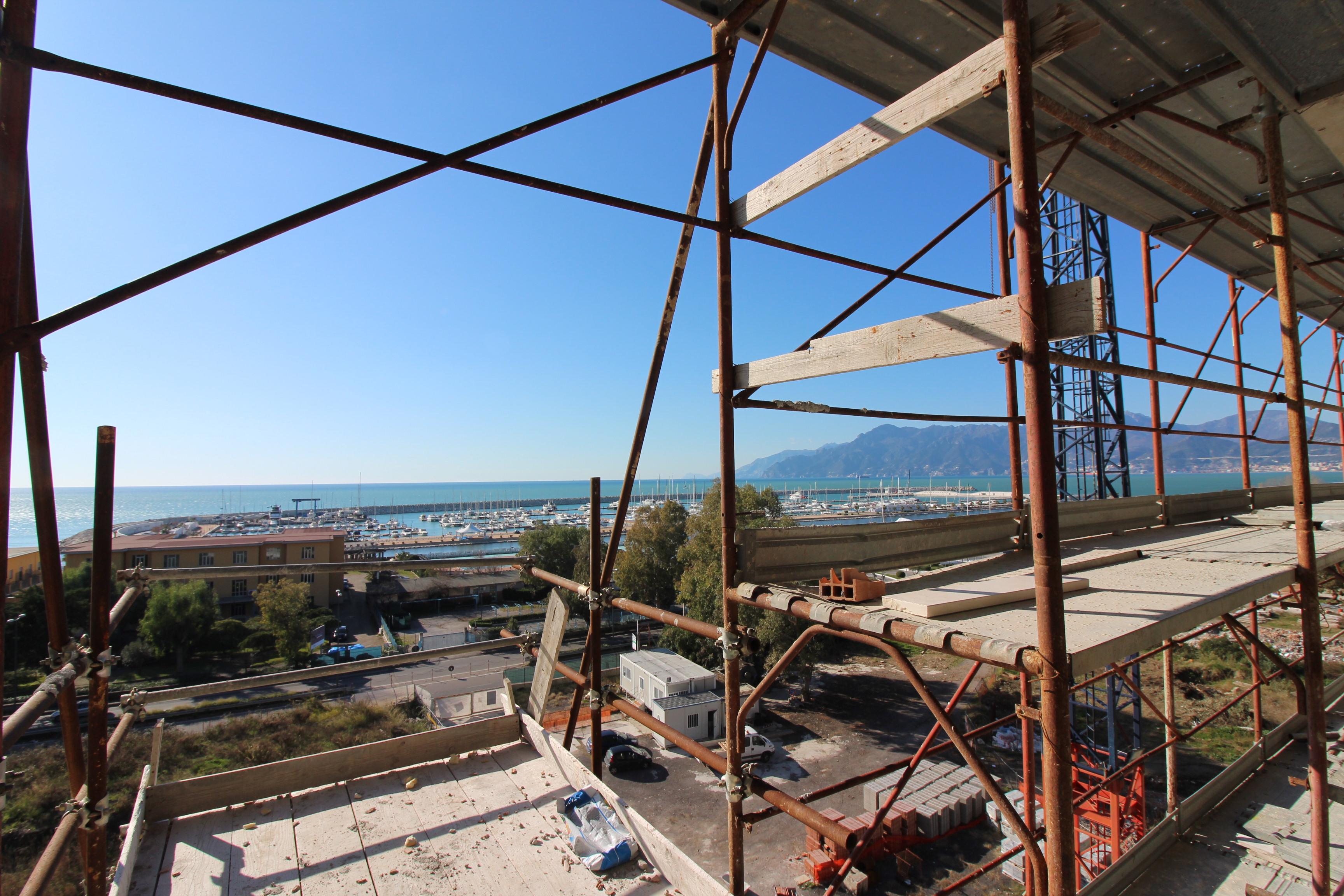 Appartamenti in vendita a salerno zona marina d 39 arechi for Appartamenti in vendita a salerno
